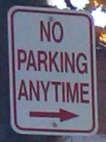 No Parking ->